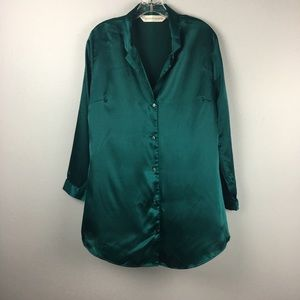 GORGEOUS GREEN VICTORIA's SECRET SLEEP SHIRT MED